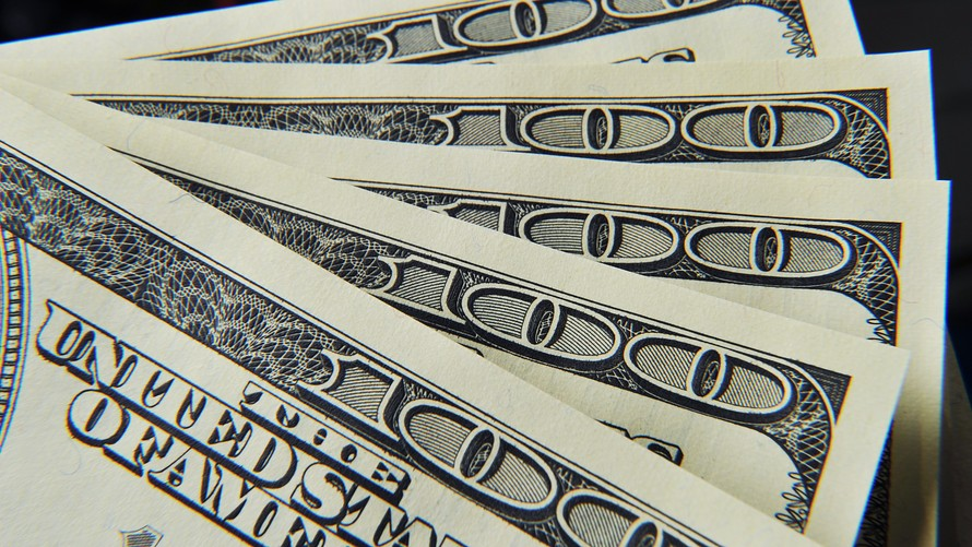 Dolar Jatuh Karena Fed Obral Utang Besar-besaran